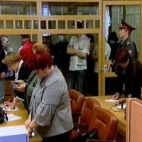 ГРОМКОЕ ДЕЛО. В Тюмени судили  банду скинхедов, нападавшую на иностранцев. Фоторепортаж из зала суда