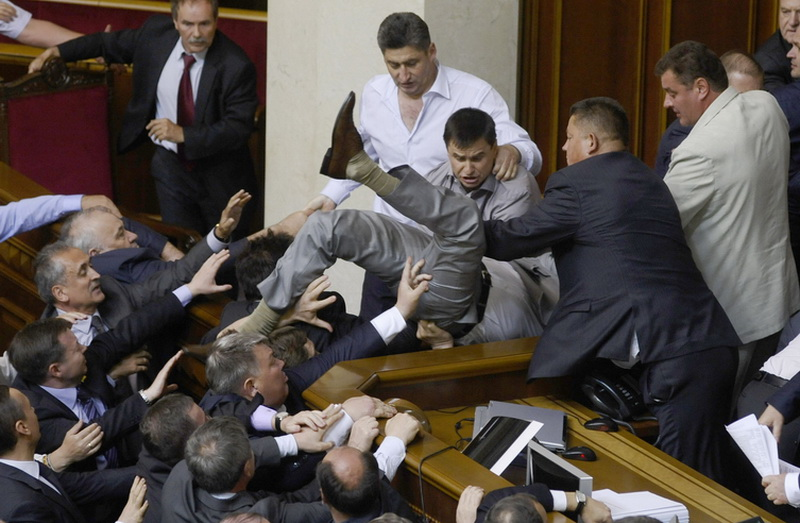 Fight-Erupts_In_Ukraine_Parliament_Over-Pro-Russian_Bill-9