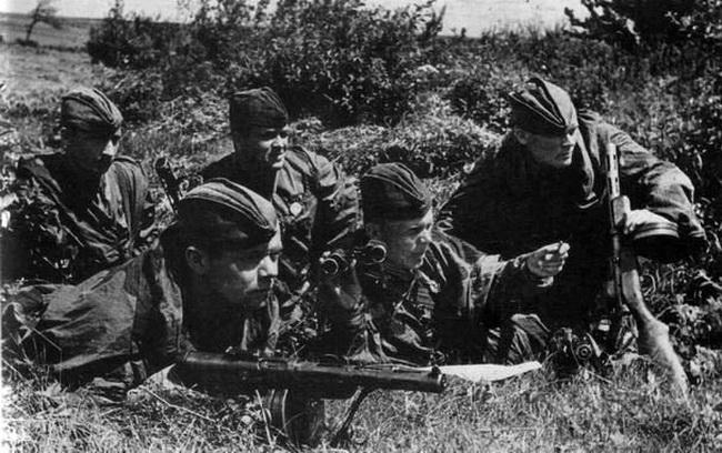 4.Советские разведчики на Харьковском направлении. Август 1943 г.