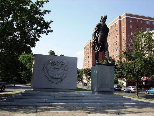 5.Памятник Шевченко в Вашингтоне Monument to Taras G. Shevchenko in
