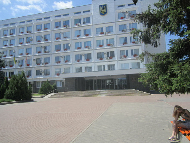 Здание горсовета Черкасс.