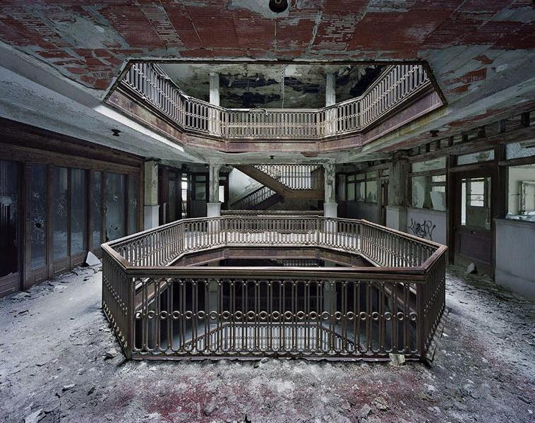 Atrium, Farwell Building