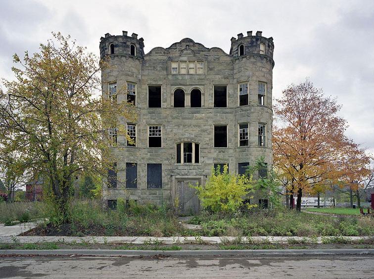 Luben Apartments