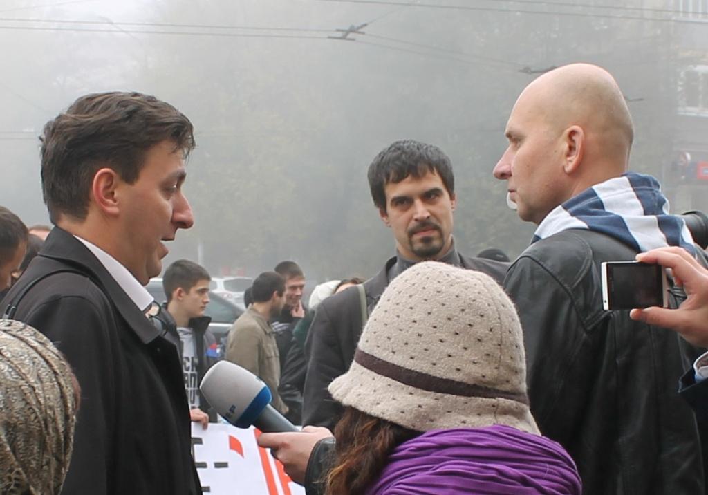 Богдан смотрит на Старуха как Ленин на буржуазию