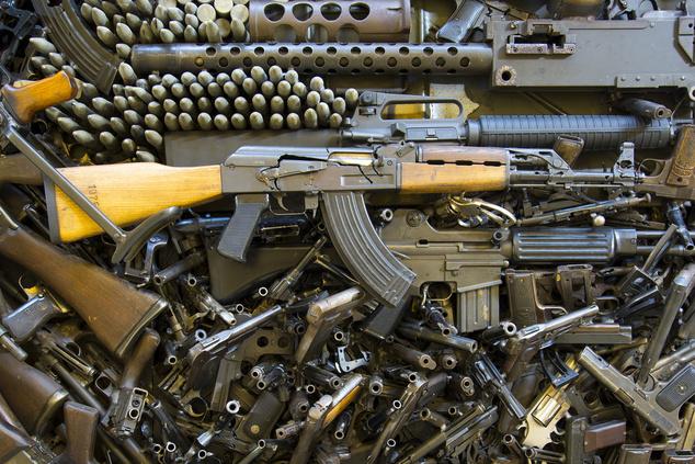 ВООРУЖЕННЫЕ ДО ЗУБОВ  Оборот нелегального оружия в Украине достигает ... 594da971ab4