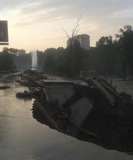 5887857-navodnenie-v-tbilisi-krokodily-na-ulica