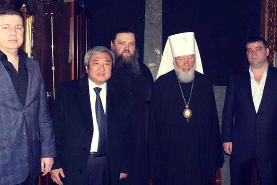 Анисимов - крайний справа