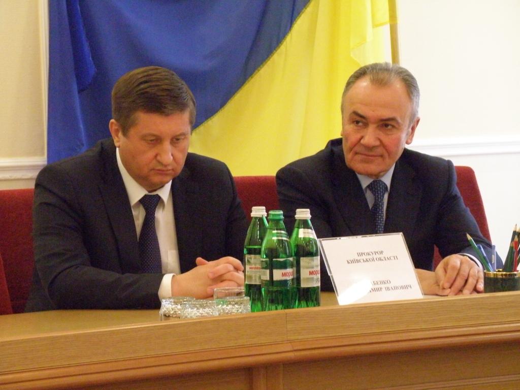 Владимир Бабенко слева