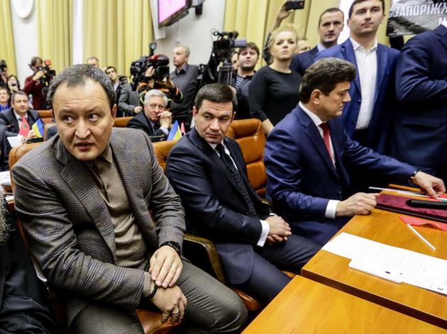 На фото Вся власть: (слева направо) губернатор Брыль, председатель облсовета Самардак и мэр Запорожья Буряк