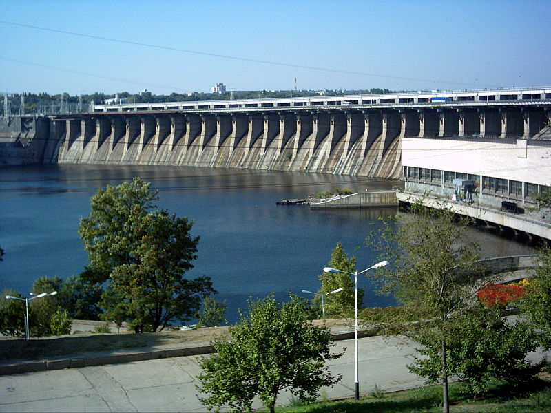 800px-dnieper_hydroelectric_station_in_2005