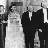 ЖЕНЫ И ДЕТИ НИКИТЫ ХРУЩЕВА. Нина Хрущева в отличие от мужа свободно владела  украинским, польским и французским языками