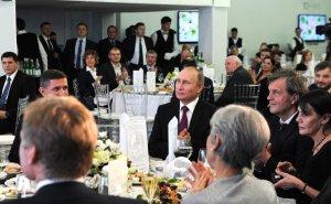 генерал Майкл Флинн-США за столом с Путиным
