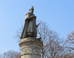 Памятник Богдану Хмельницкому Чернигов-2