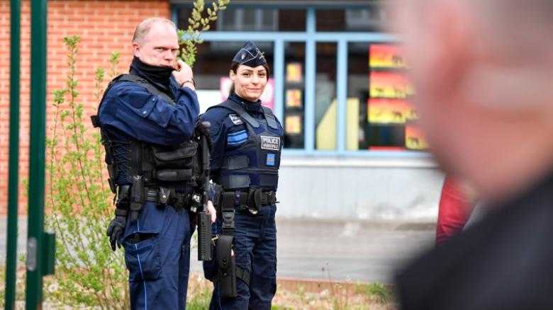 премьер Франции ограбление полиция