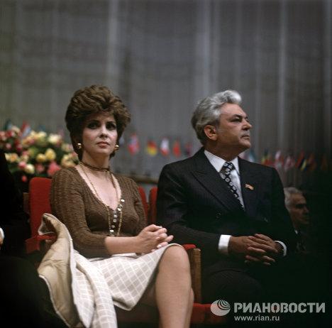 БОНДАРЧУК=Итальянская актриса Джина Лоллобриджида и советский актер и режиссер Сергей Бондарчук