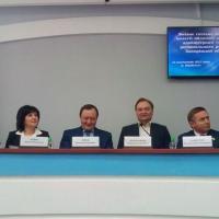 Свой среди чужих, чужой среди своих:   губернатор Брыль в Бердянске. Фото ДНЯ