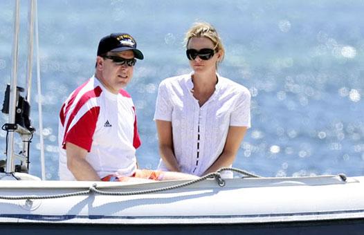 11. Князь Монако Альбер с невестой Шарлен Виттсток.
