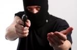 бандит с пистолетом