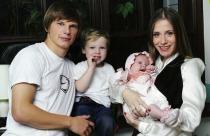 звезды футболист Андрей Аршавин с женой алименты