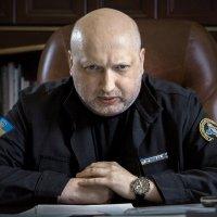 У семьи Турчинова нашли новые роскошные дома под Киевом. А в декларации всего один автомобиль, одна квартира, наличные деньги и банковские вклады