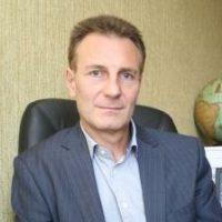 На перекрестке в Киеве нагло ограбили судью Высшего хозяйственного суда