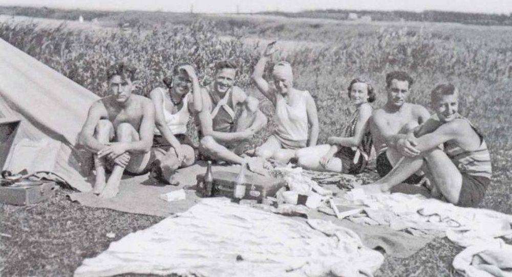 ГЕРМАНИЯ=Пикник немецких курсантов с русскими подругами. 1932 г.