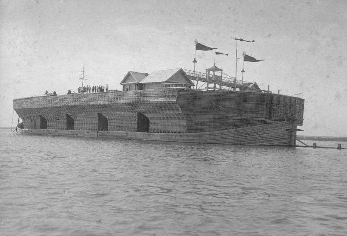 корабль великан речной
