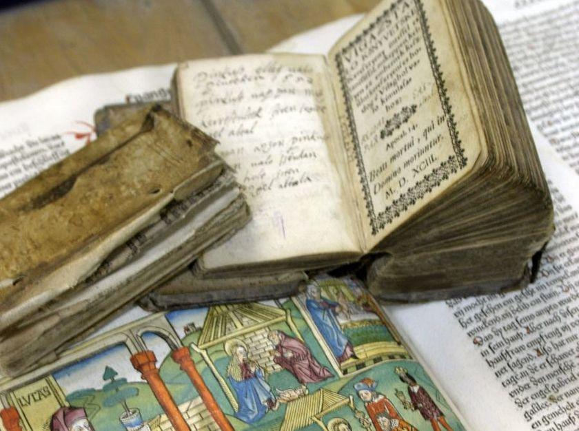 Ватикан книги