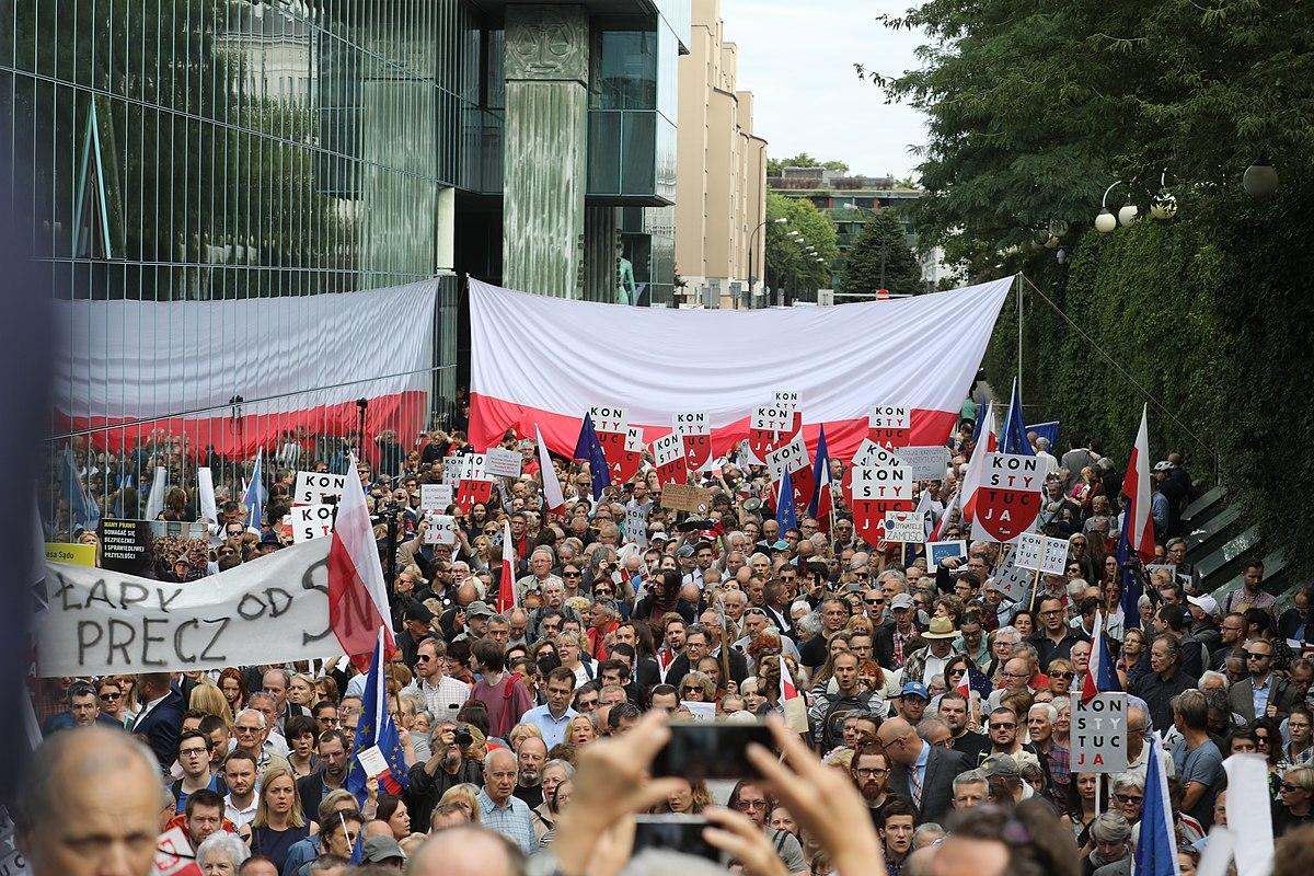 Польша протесты